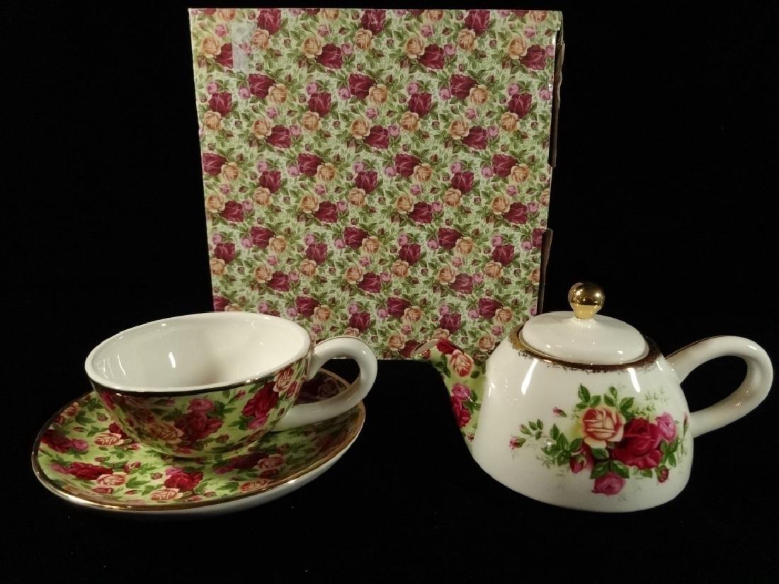 ROYAL ALBERT PORCELAIN 3 PC TEA SET, OLD COUNTRY ROSES