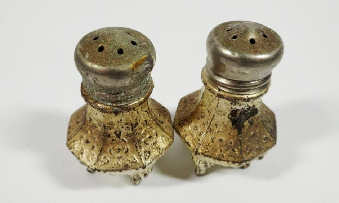 4 PC VINTAGE SALT & PEPPER SHAKERS, SOME CRACKS TO TOP - 6