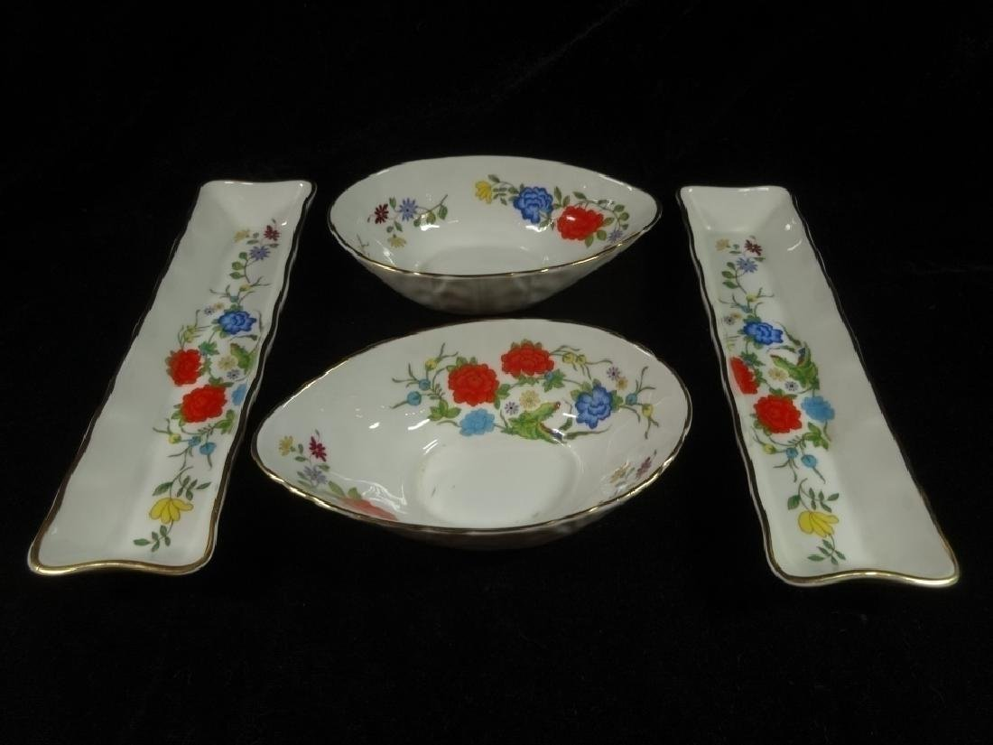 4 PC ANYNSLEY BONE CHINA, FAMILLE ROSE PATTERN, MADE IN