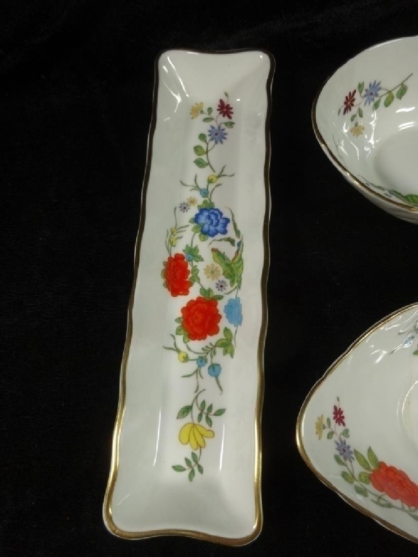 4 PC ANYNSLEY BONE CHINA, FAMILLE ROSE PATTERN, MADE IN - 2