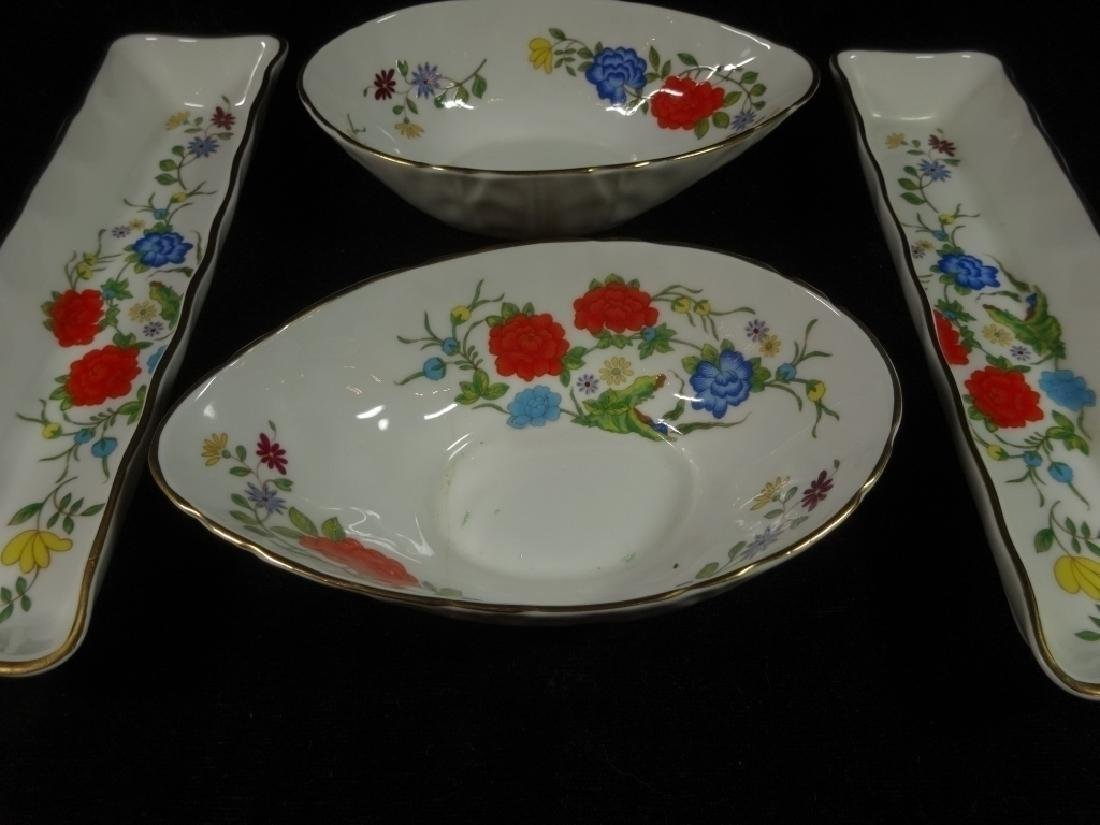 4 PC ANYNSLEY BONE CHINA, FAMILLE ROSE PATTERN, MADE IN - 4