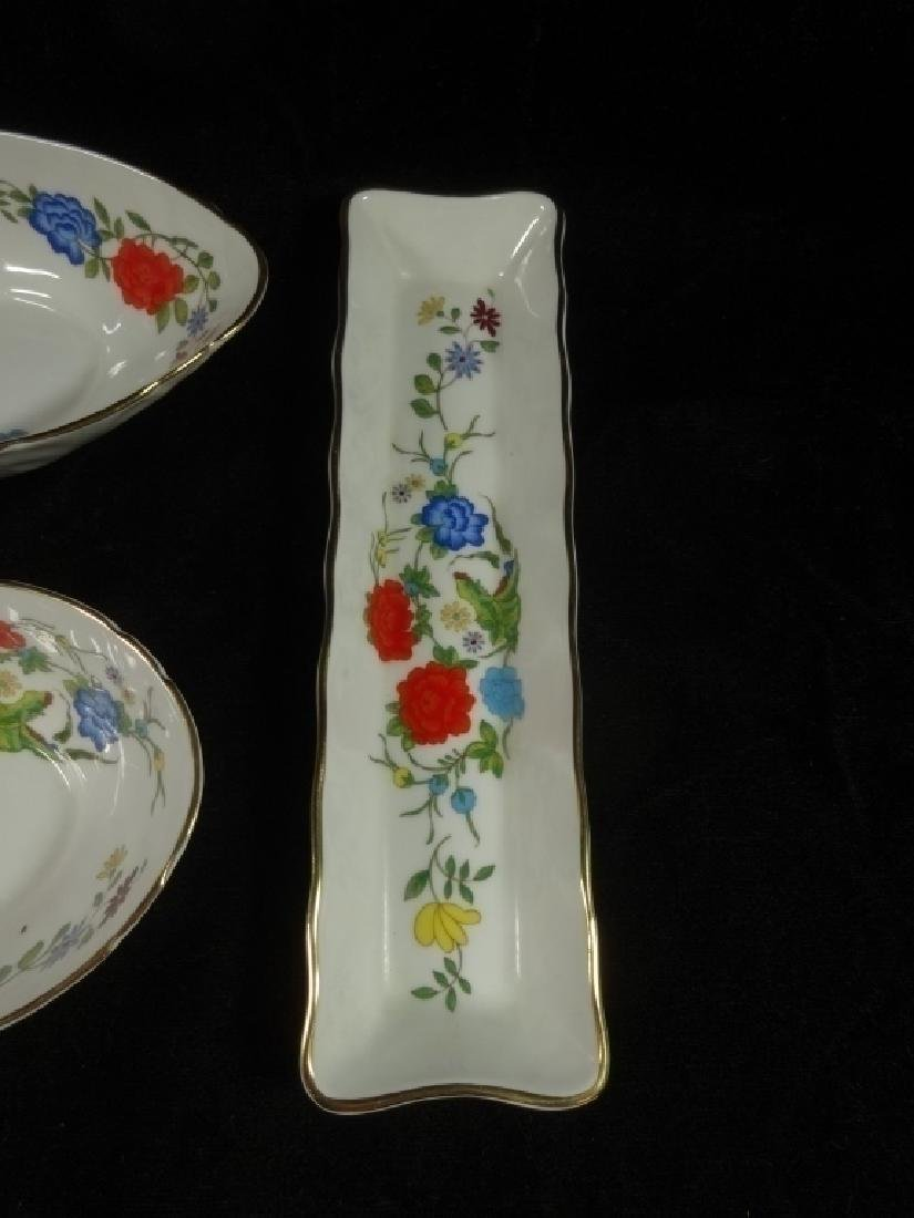 4 PC ANYNSLEY BONE CHINA, FAMILLE ROSE PATTERN, MADE IN - 5