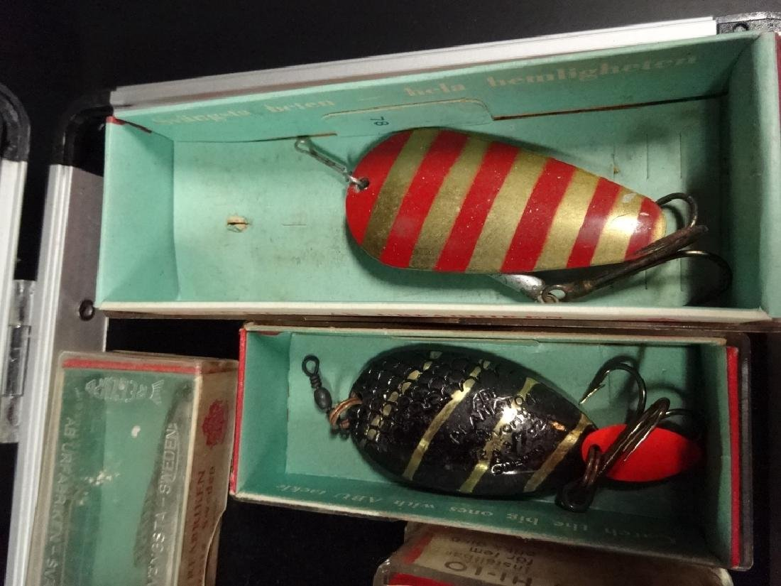 13 PC VINTAGE FISHING LURES & DISPLAY BOX, LURES IN - 3