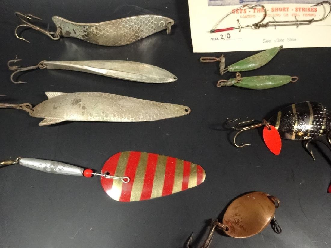 13 PC VINTAGE FISHING LURES & DISPLAY BOX, LURES IN - 6