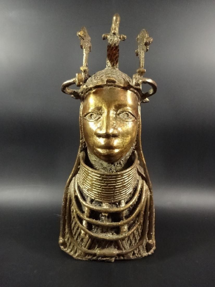 AFRICAN BRONZE SCULPTURE, BUST OF A MAN, BRASS FINISH,