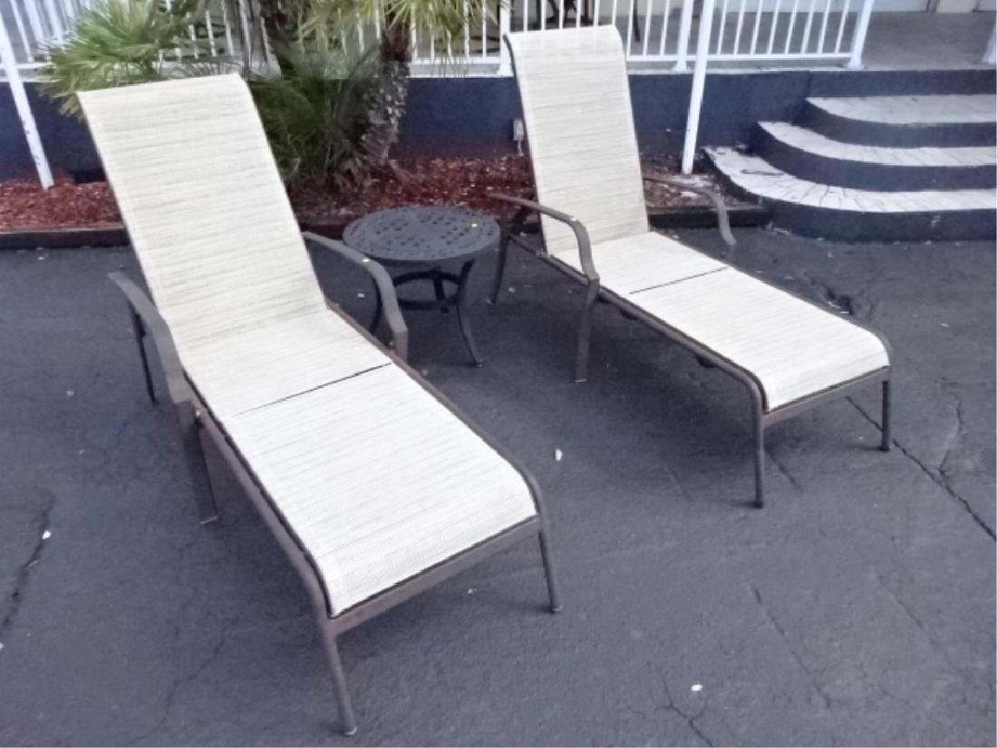 3 PC PATIO SET, 2 LOUNGE CHAIRS AND TABLE, VERY GOOD