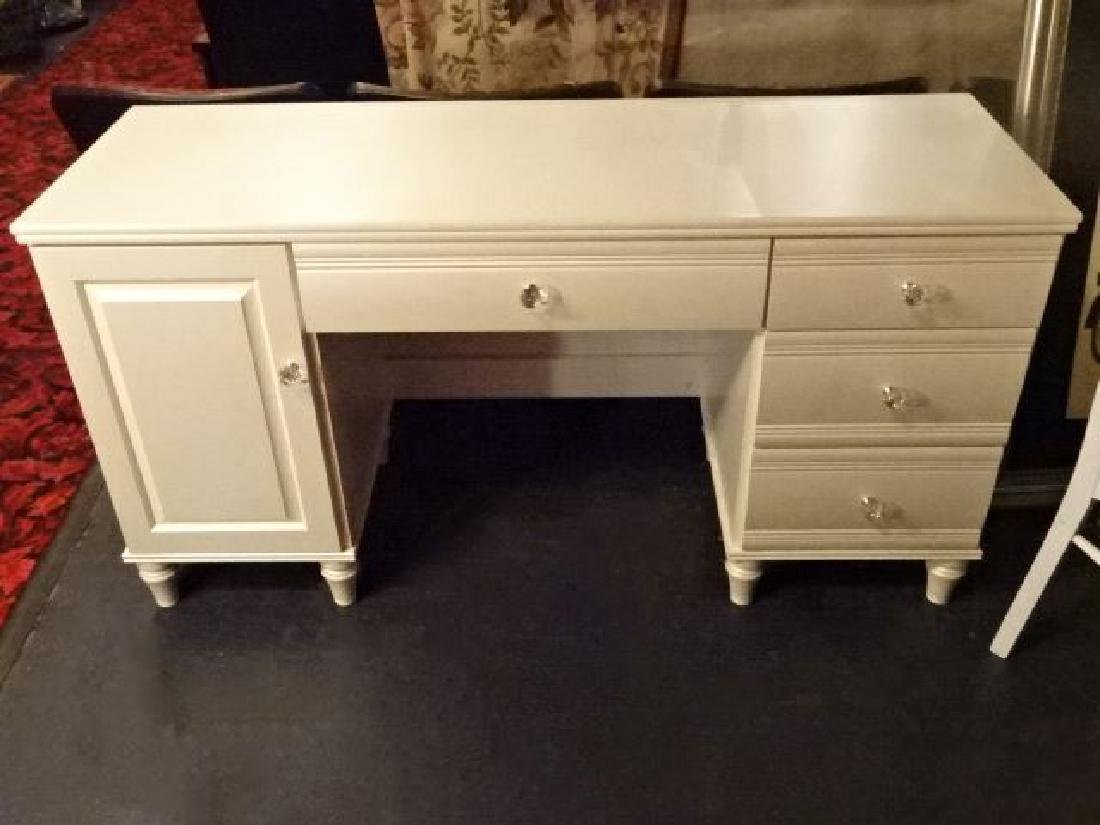 WHITE KNEEHOLE DESK WITH CRYSTAL HANDLES, 4 DRAWERS