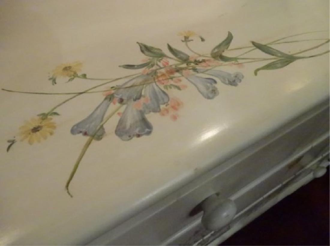 3 DRAWER CHEST WITH PAINTED BIRDS AND TREES, WHITE - 7