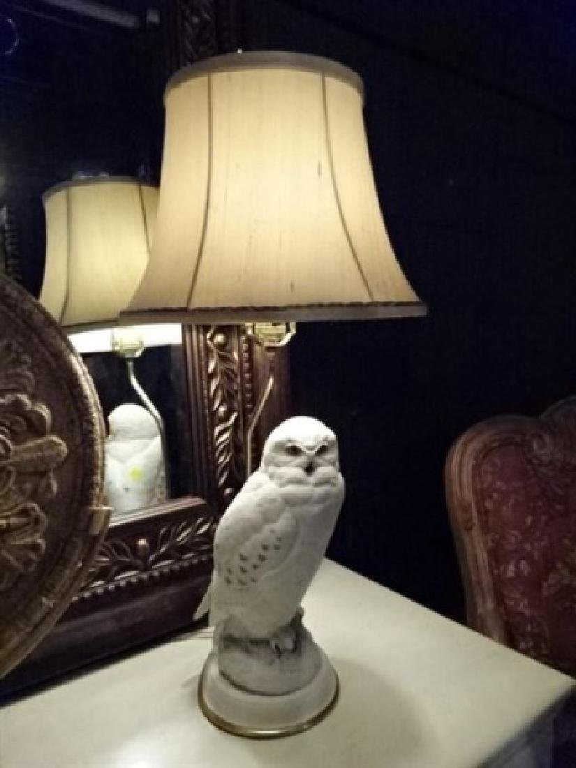 CERAMIC WHITE OWL TABLE LAMP, VERY GOOD CONDITION,