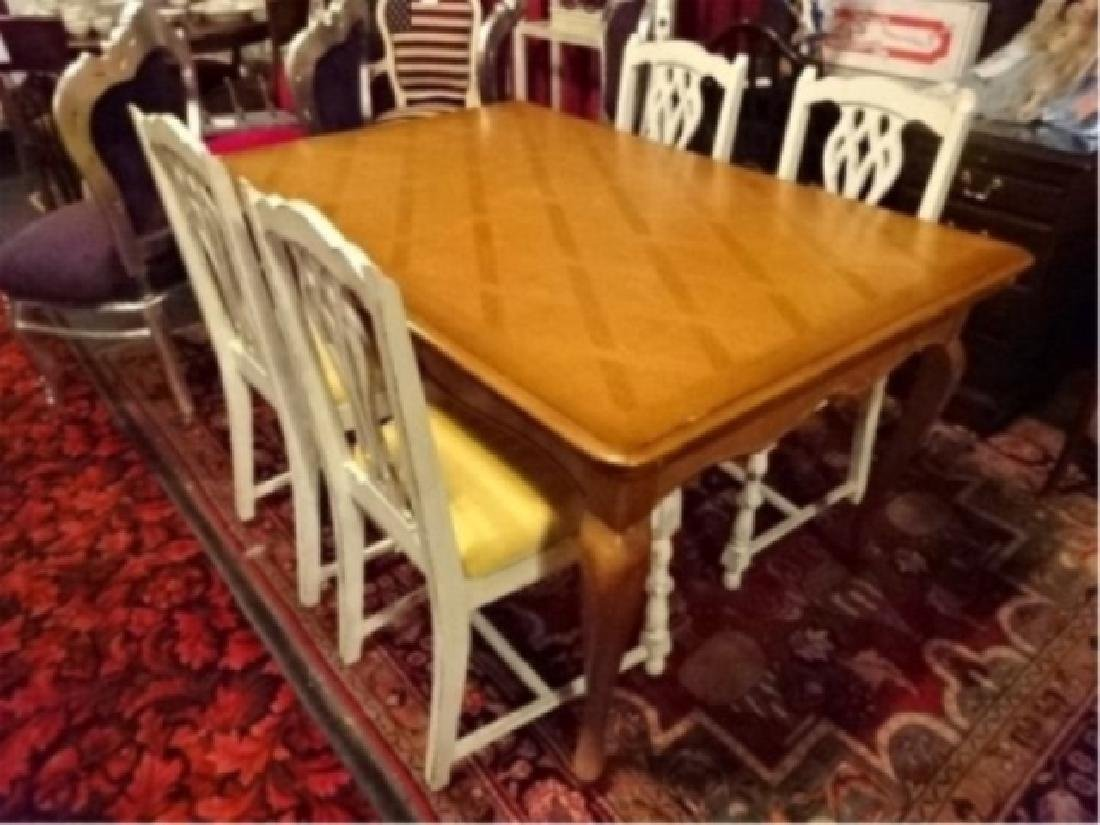 5 PC DINING SET, FRENCH STYLE DINING TABLE WITH 4 WHITE
