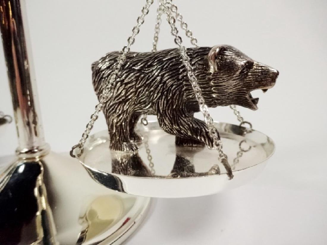 NEIMAN MARCUS BULL AND BEAR SCALE PAPERWEIGHT, APPROX - 4