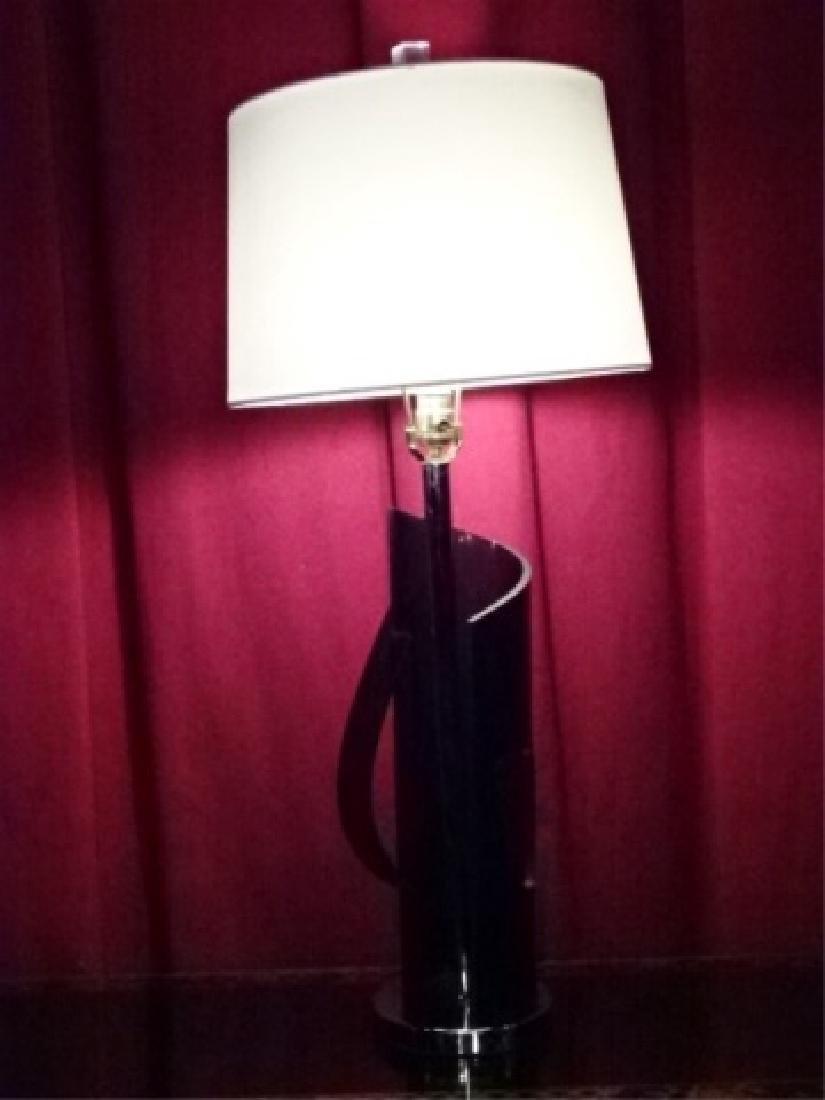 MODERN BLACK ACRYLIC AND CHROME TABLE LAMP ON CHROME