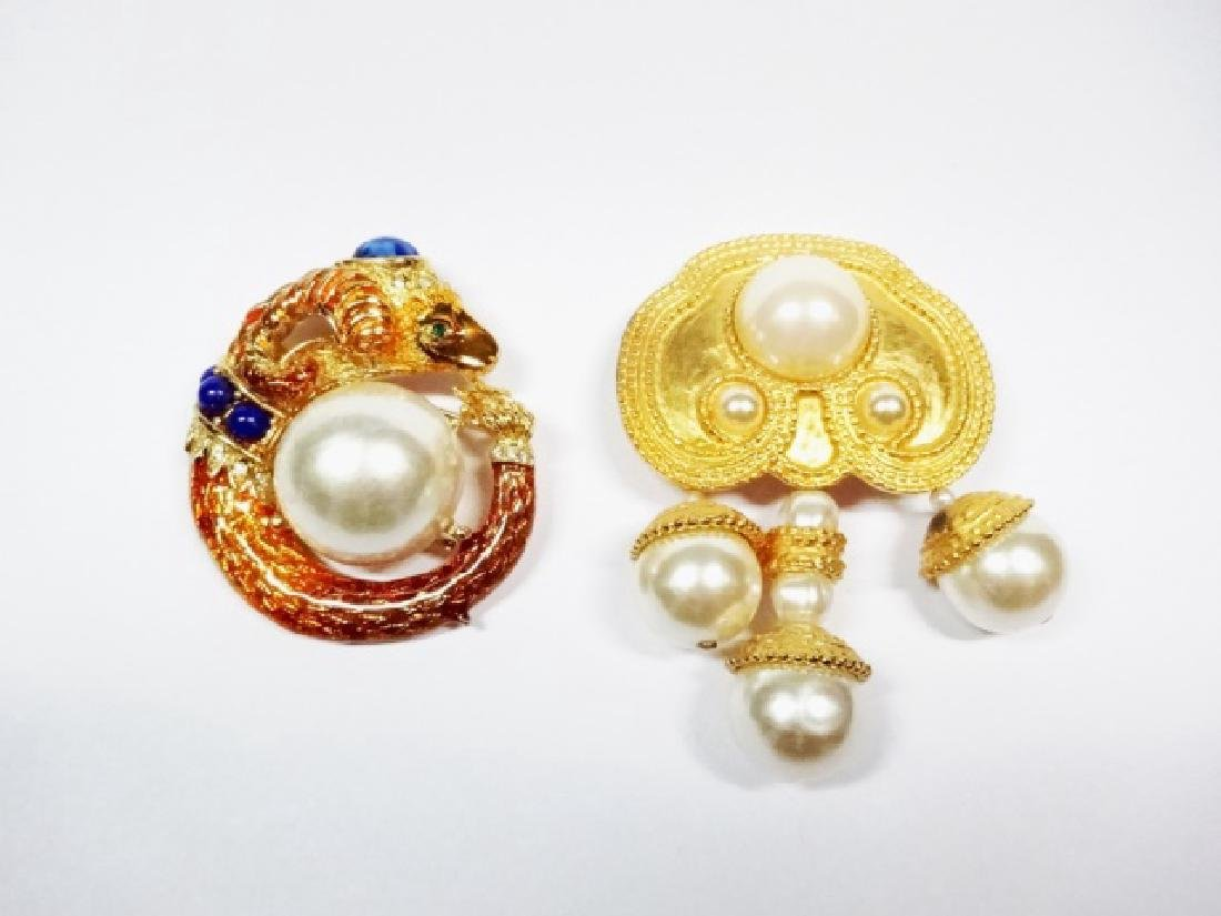 2 PC CHUNKY PINS WITH FAUX PEARL ACCENTS, RAM'S HEAD - 2