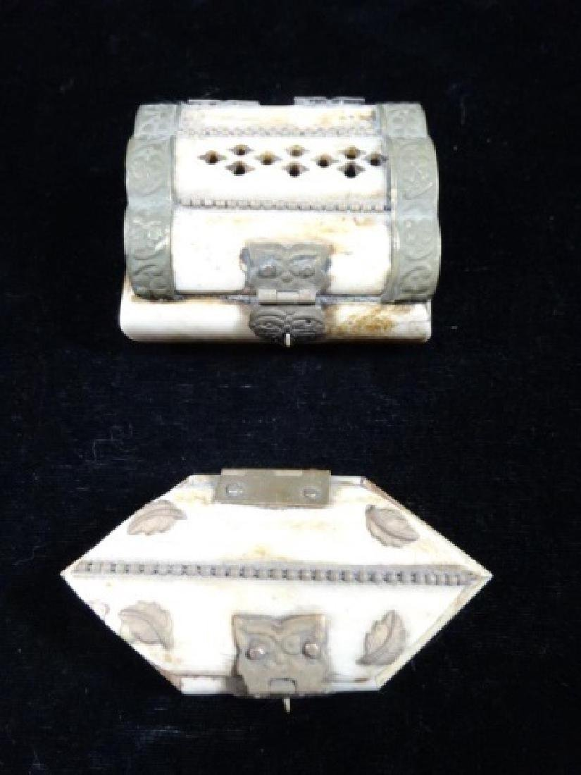 "4 SMALL CAMEL BONE BOXES, APPROX 2"" X 2"" - 2"