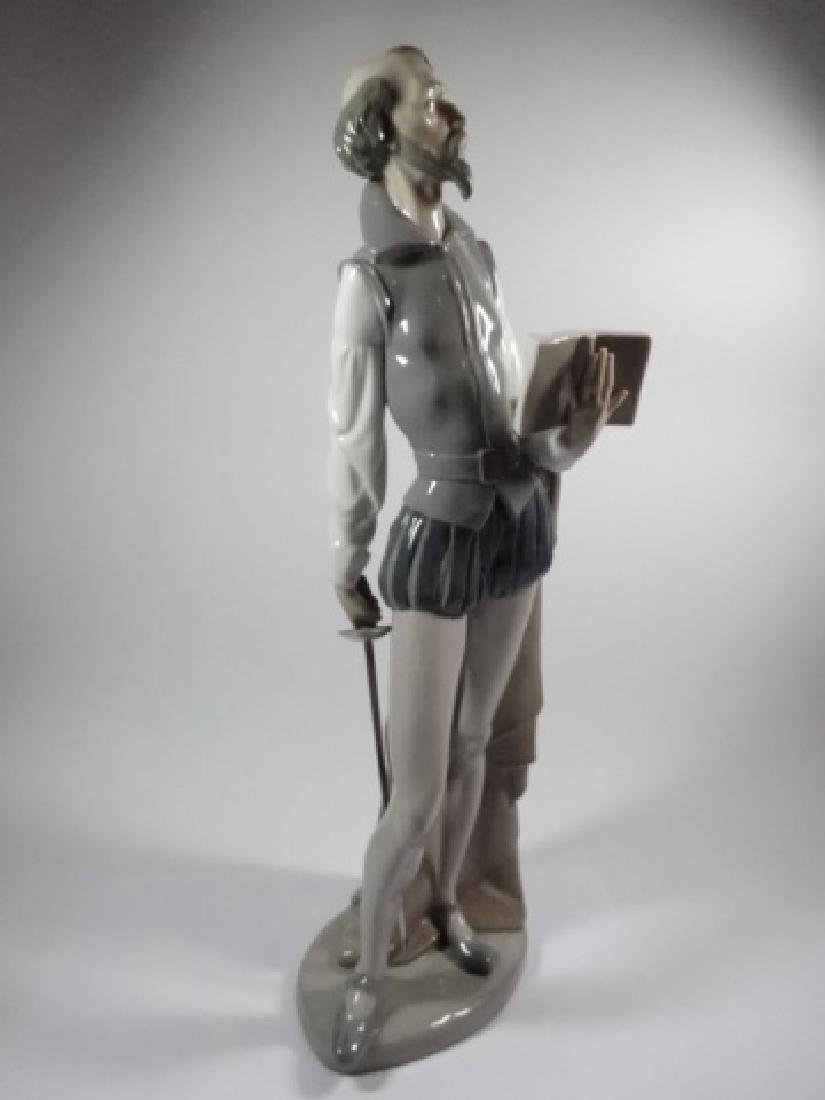 NAO BY LLADRO DON QUIXOTE READING BOOK PORCELAIN - 2