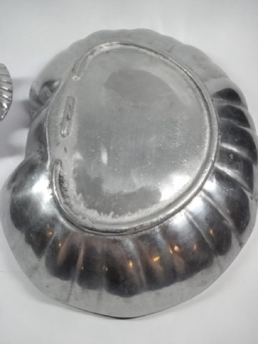 LARGE SHELL FORM CHIP & DIP OR SHRIMP SERVING DISHES, 2 - 4