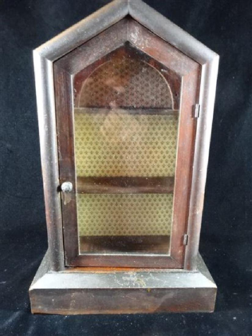 VINTAGE WOOD WALL CABINET, VERY GOOD CONDITION, APPROX