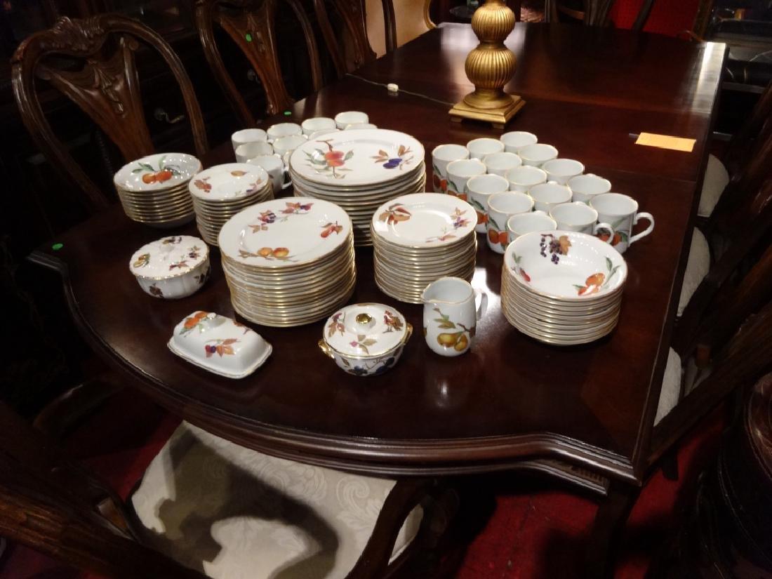 110 PC ROYAL WORCESTER CHINA SERVICE, EVESHAM PATTERN,