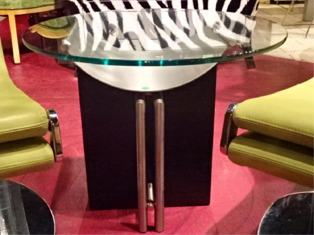 MODERN SIDE TABLE, METAL AND ENAMEL, ROUND GLASS TOP,