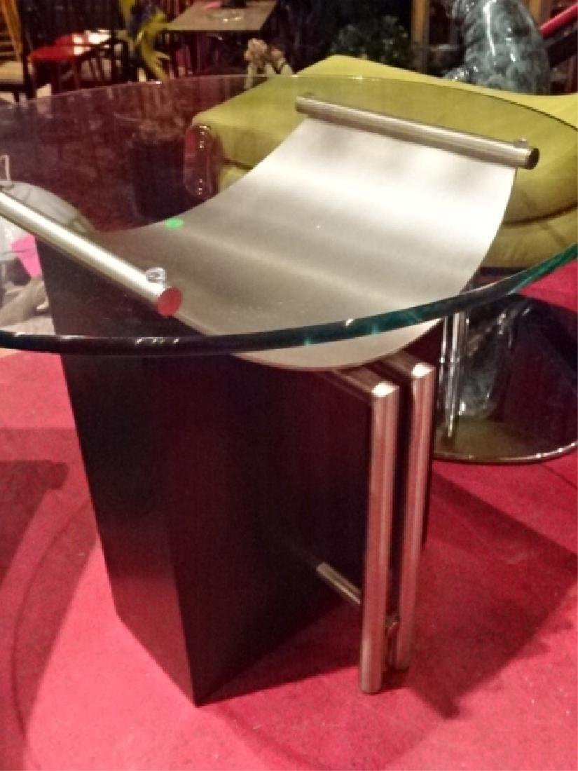 MODERN SIDE TABLE, METAL AND ENAMEL, ROUND GLASS TOP, - 4