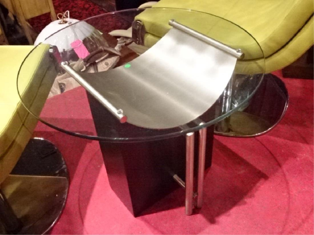 MODERN SIDE TABLE, METAL AND ENAMEL, ROUND GLASS TOP, - 5