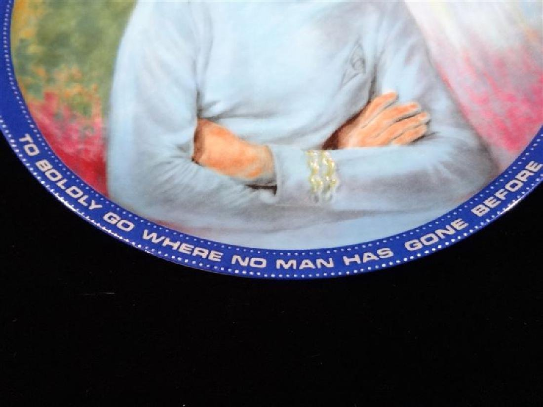 MR SPOCK STAR TREK COLLECTIBLE PORCELAIN PLATE, WITH - 2