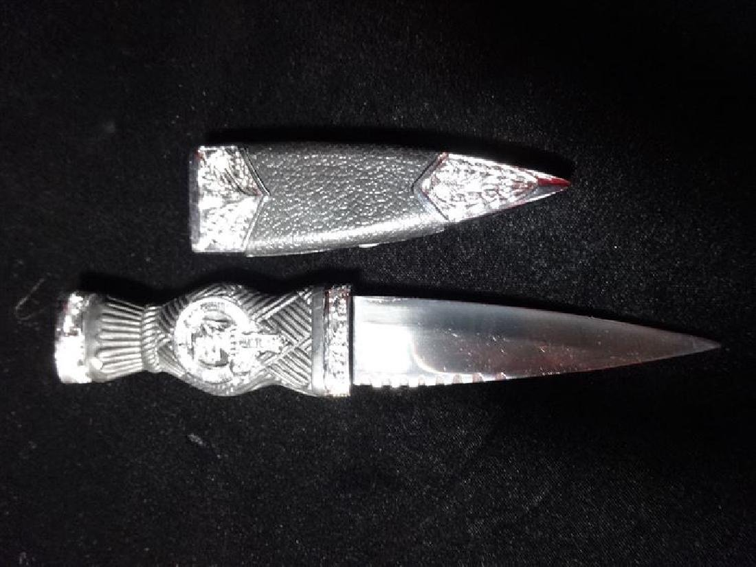 METAL KNIFE WITH BLACK AND CHROME HANDLE, VERY GOOD