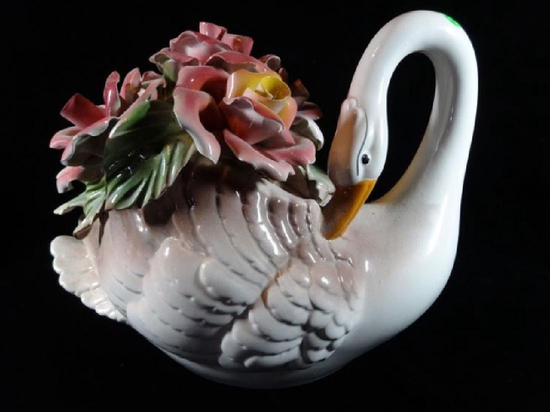 CAPODIMONTE ITALIAN PORCELAIN SWAN AND FLOWERS, WITH N