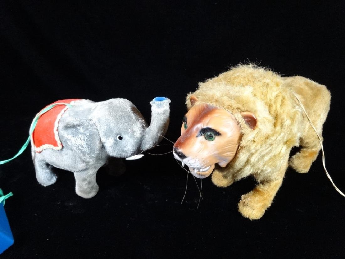 2 VINTAGE MECHANICAL TOYS, LION AND ELEPHANT, BATTERY