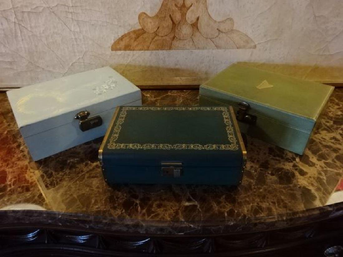 3 VINTAGE JEWELRY BOXES, GOOD CONDITION WITH SOME WEAR