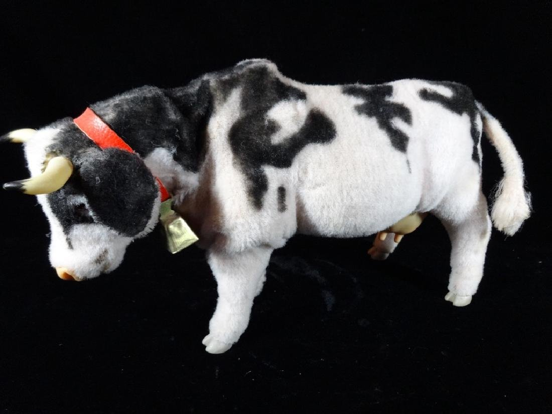 VINTAGE MECHANICAL COW TOY, BATTERY OPERATED, VERY GOOD