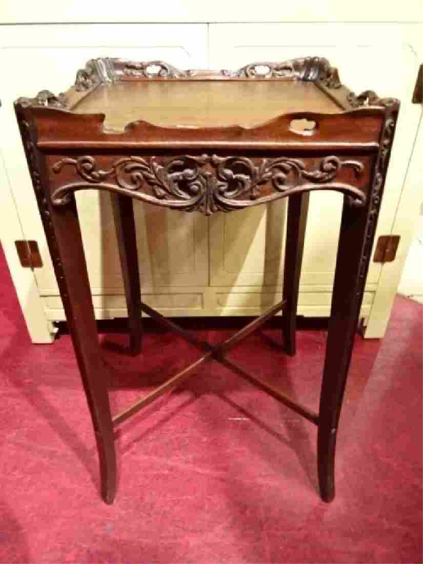 ANTIQUE WOOD TABLE WITH CARVED RIM, MAHOGANY FINISH,