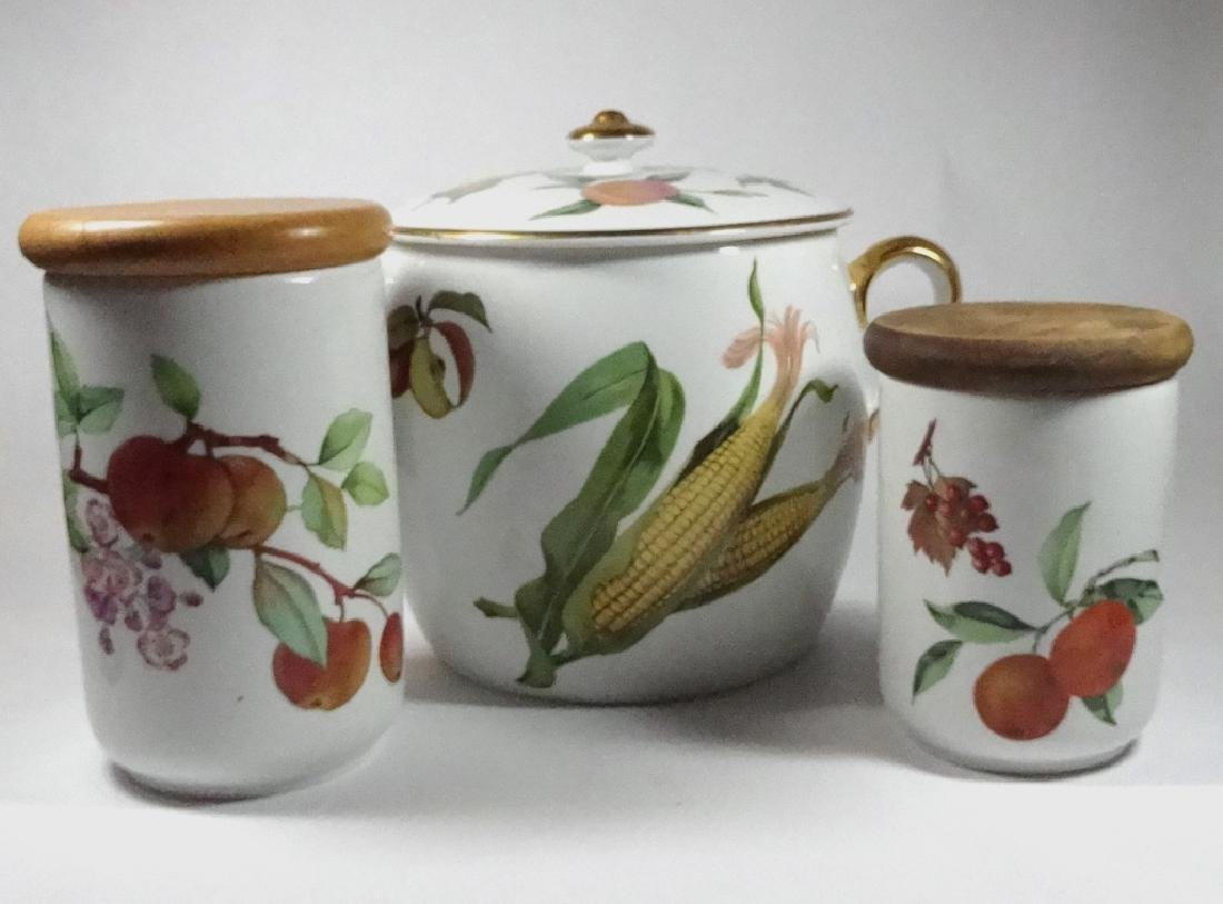 3 PC ROYAL WORCESTER EVESHAM, INCLUDES BEAN POT APPROX