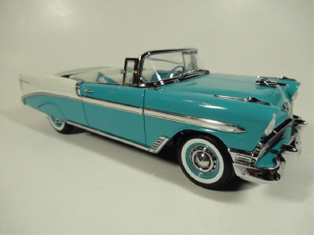 1956 CHEVROLET CONVERTIBLE, VERY GOOD CONDITION, ROOF - 2