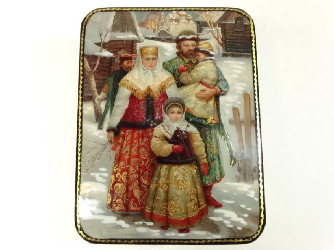5 PC RUSSIAN LACQUERED BOXES, HAND PAINTED, ARTIST - 5