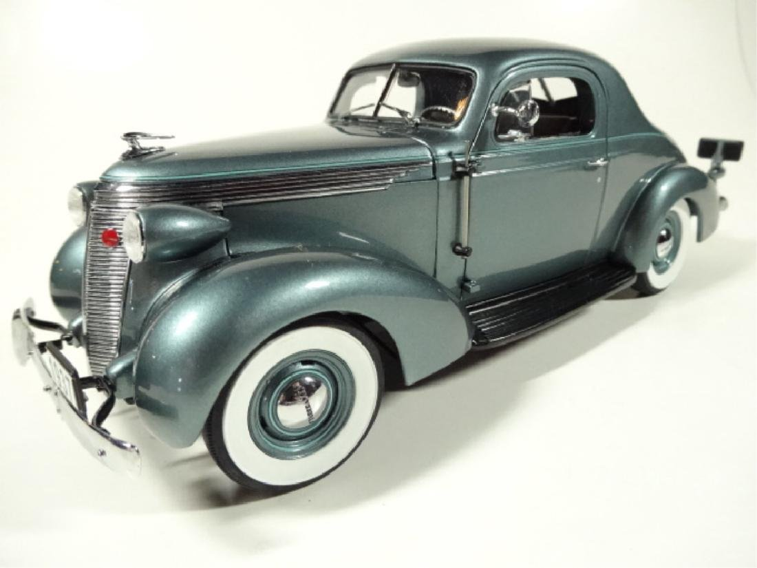 1937 STUDEBAKER DICTATOR COUPE, MINT CONDITION, DIECAST