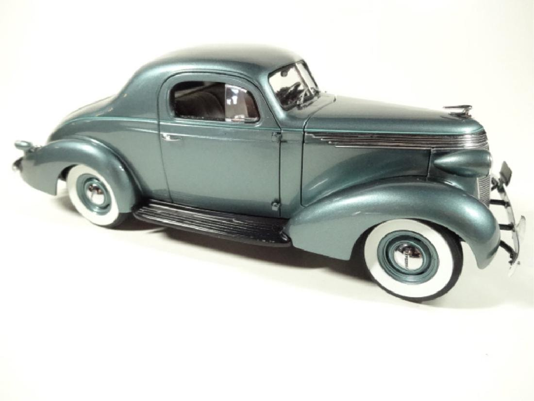 1937 STUDEBAKER DICTATOR COUPE, MINT CONDITION, DIECAST - 2