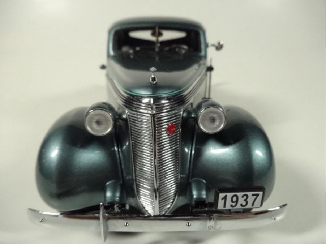 1937 STUDEBAKER DICTATOR COUPE, MINT CONDITION, DIECAST - 3
