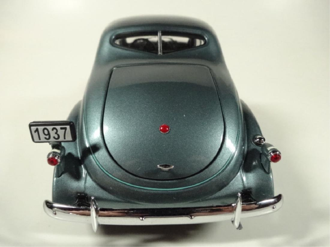 1937 STUDEBAKER DICTATOR COUPE, MINT CONDITION, DIECAST - 4