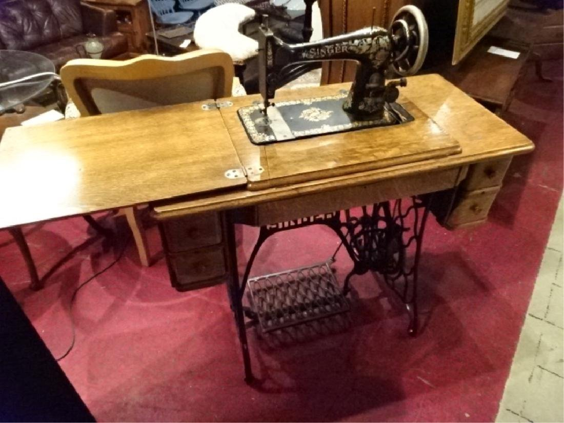 ANTIQUE SINGER SEWING MACHINE IN OAK AND IRON TABLE, - 2