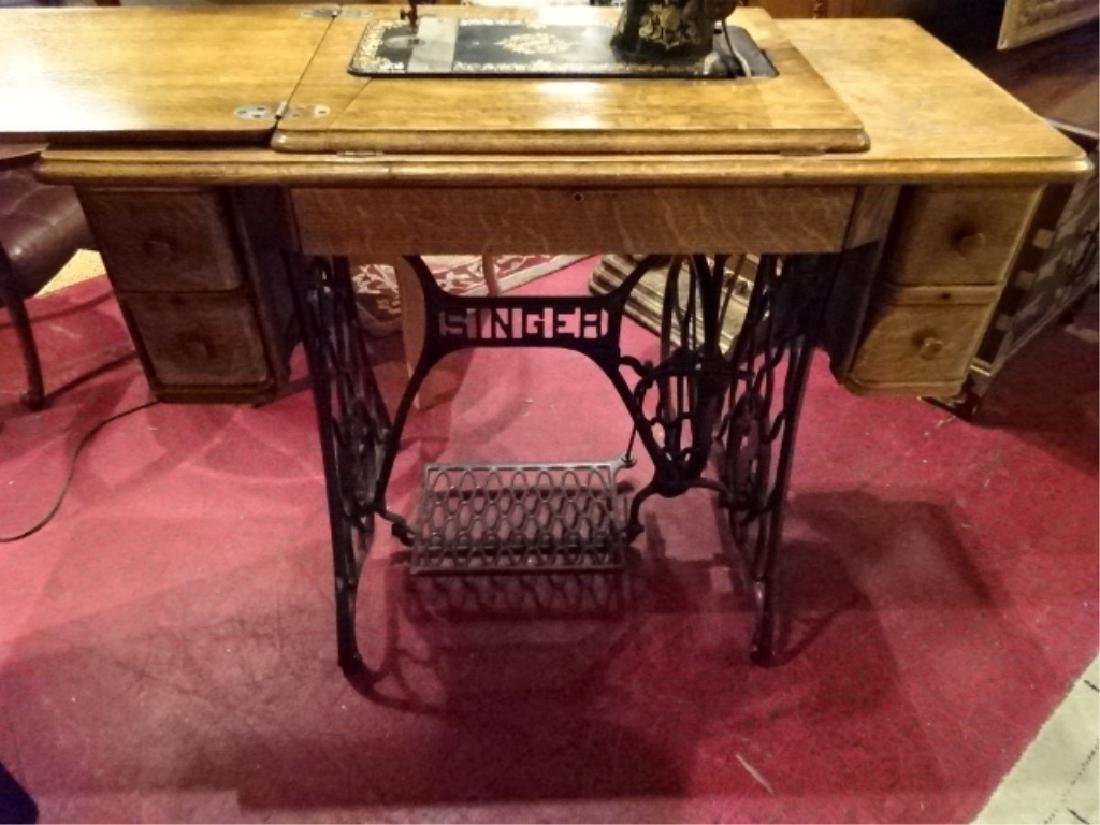 ANTIQUE SINGER SEWING MACHINE IN OAK AND IRON TABLE, - 5