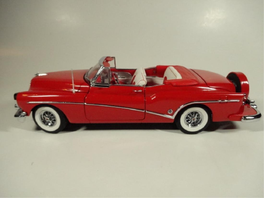 1953 BUICK SKYLARK, MINT CONDITION, DIECAST CAR FROM A - 3