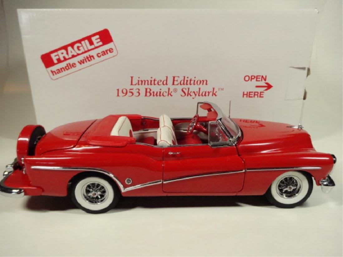 1953 BUICK SKYLARK, MINT CONDITION, DIECAST CAR FROM A - 7