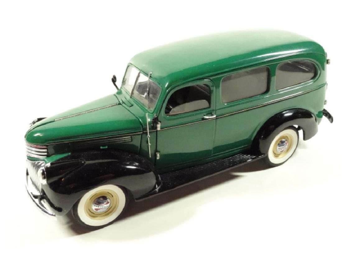 1946 CHEVROLET SUBURBAN, MINT CONDITION, DIECAST CAR BY