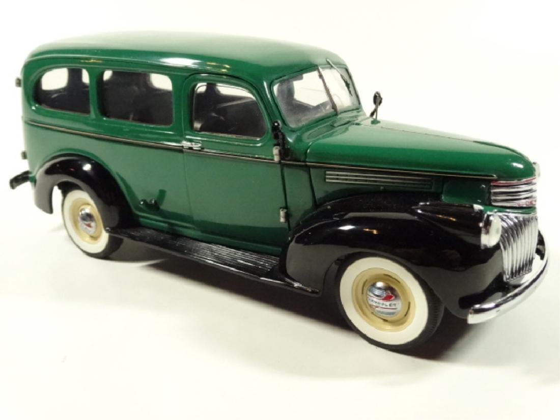 1946 CHEVROLET SUBURBAN, MINT CONDITION, DIECAST CAR BY - 3