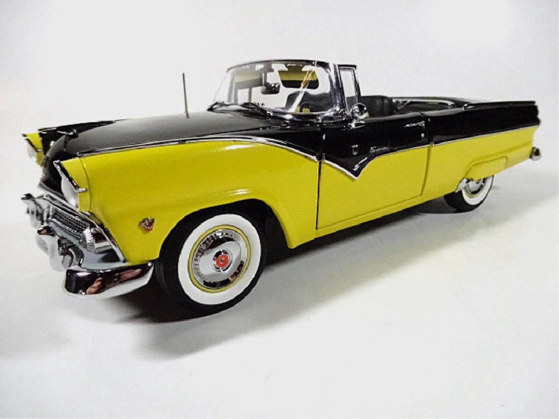 1955 FORD FAIRLANE SUNLINER CONVERTIBLE, MINT