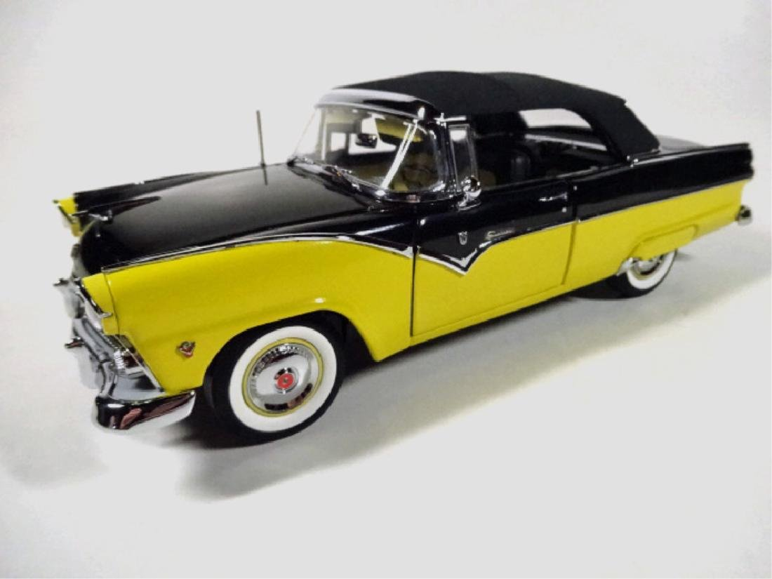1955 FORD FAIRLANE SUNLINER CONVERTIBLE, MINT - 2