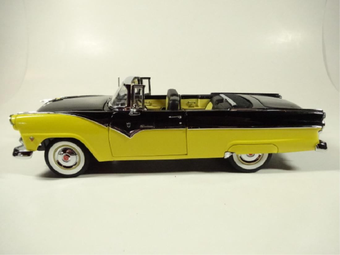 1955 FORD FAIRLANE SUNLINER CONVERTIBLE, MINT - 7