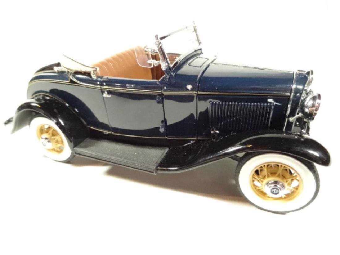 1932 FORD DELUXE ROADSTER V-8, MINT CONDITION, DIECAST - 2