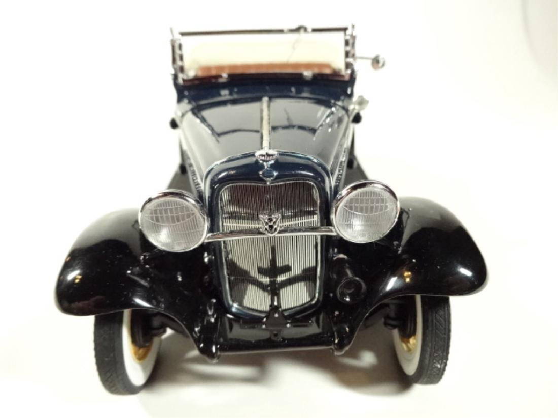 1932 FORD DELUXE ROADSTER V-8, MINT CONDITION, DIECAST - 5